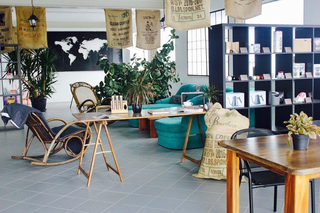 Café mit Interieur